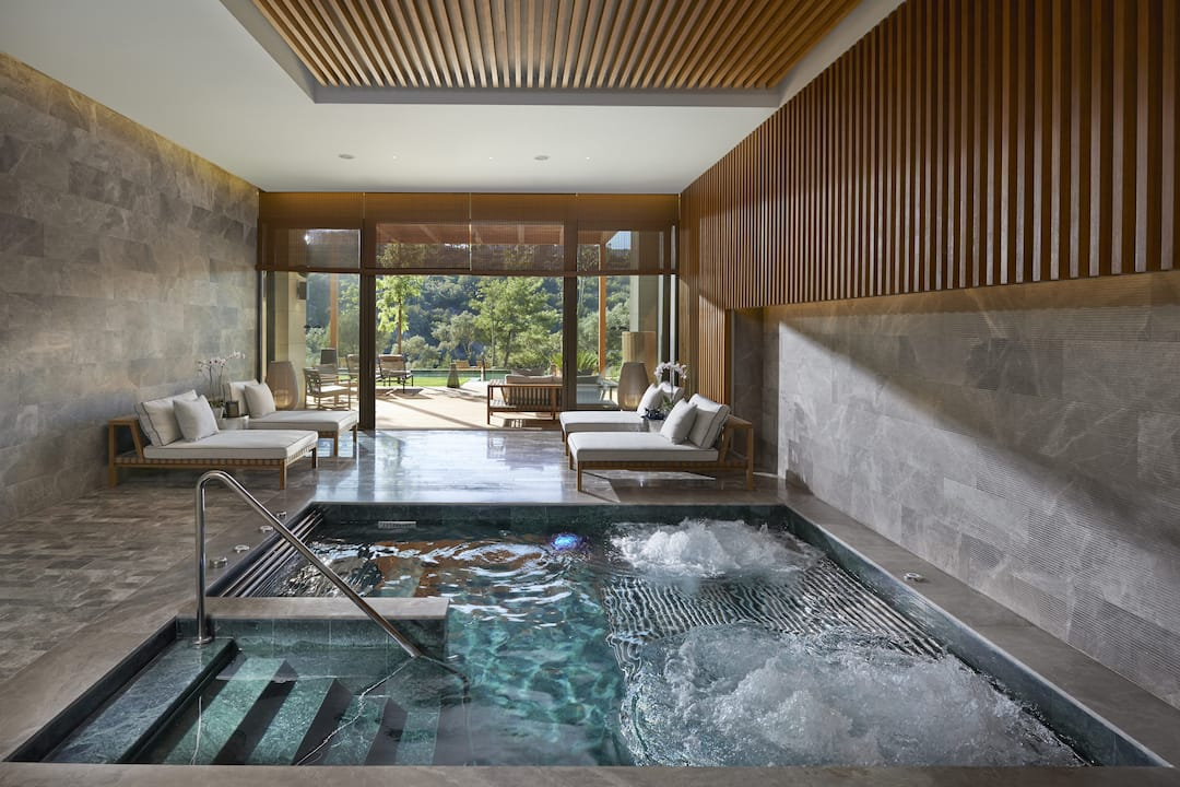 Luxury wellness spa paradise bay mandarin oriental for Design hotel nrw wellness