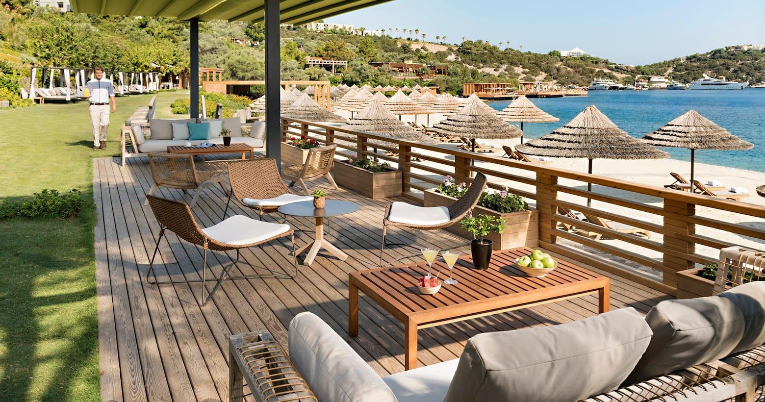 Blue Beach Club & Bar