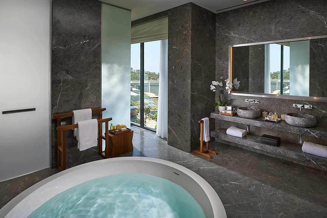 Magnolia Villa bathroom