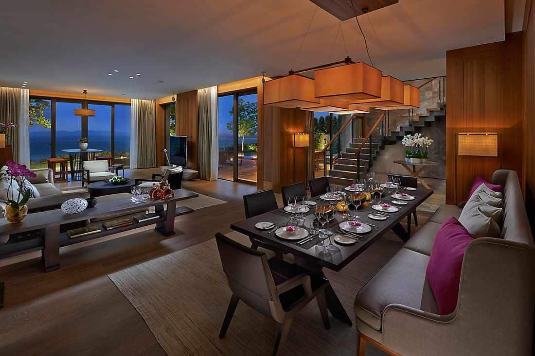 Mandarin Villa living room
