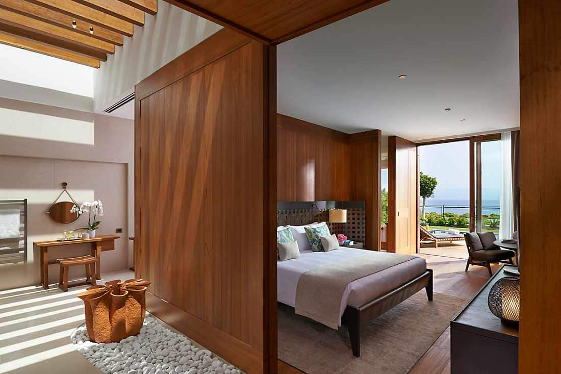 Sea View Suite with Private Pool bedroom
