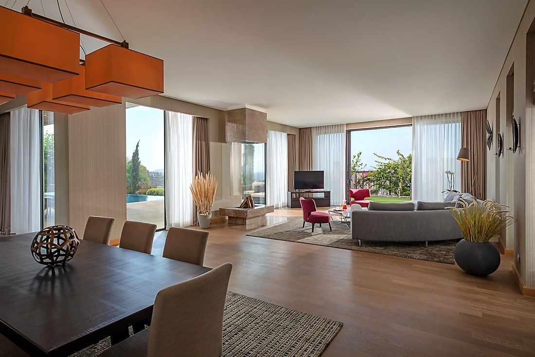 Lily Villa living room