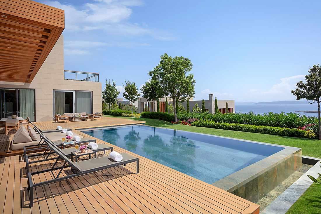 Magnolia Villa ourdoor pool