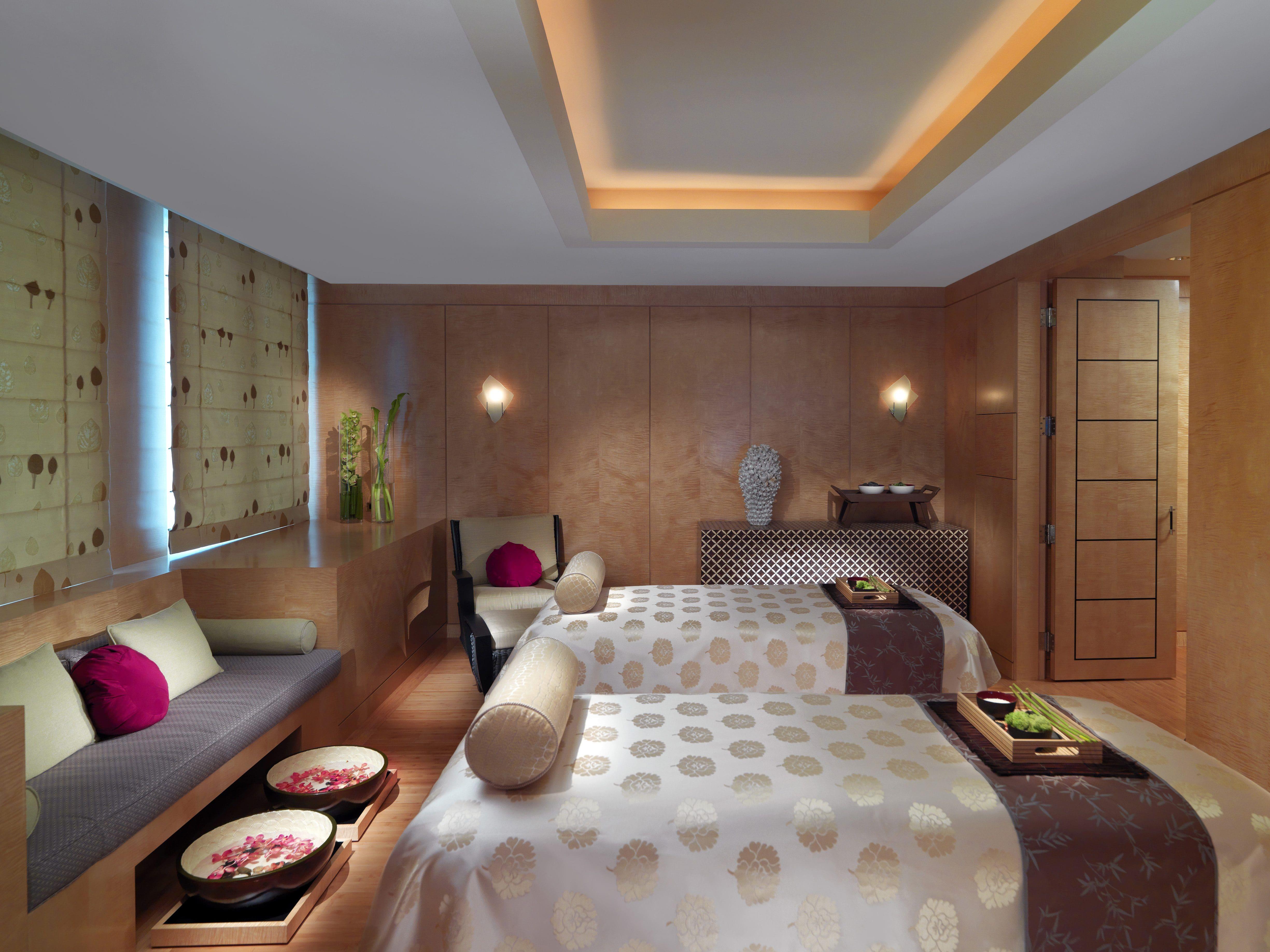 Couples massage suite at Mandarin Oriental, Boston