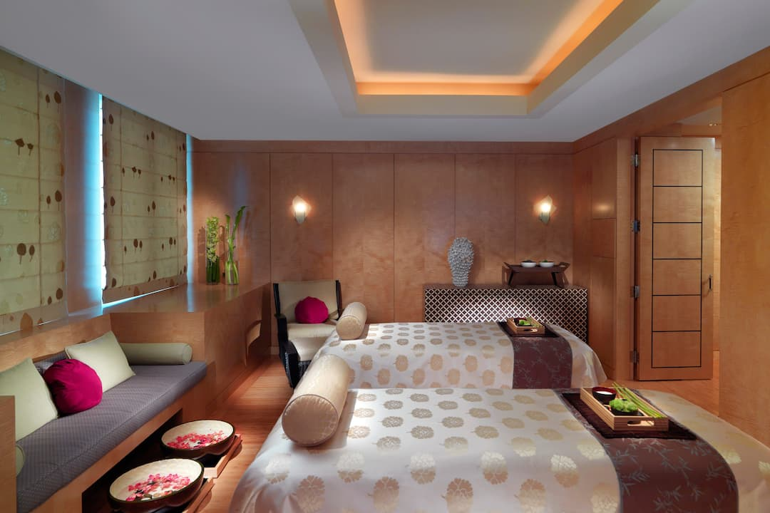 spa suite for couples
