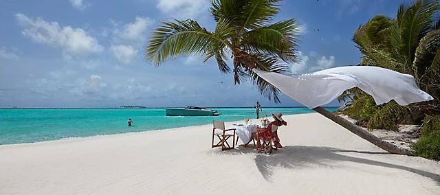 canouan beach dining