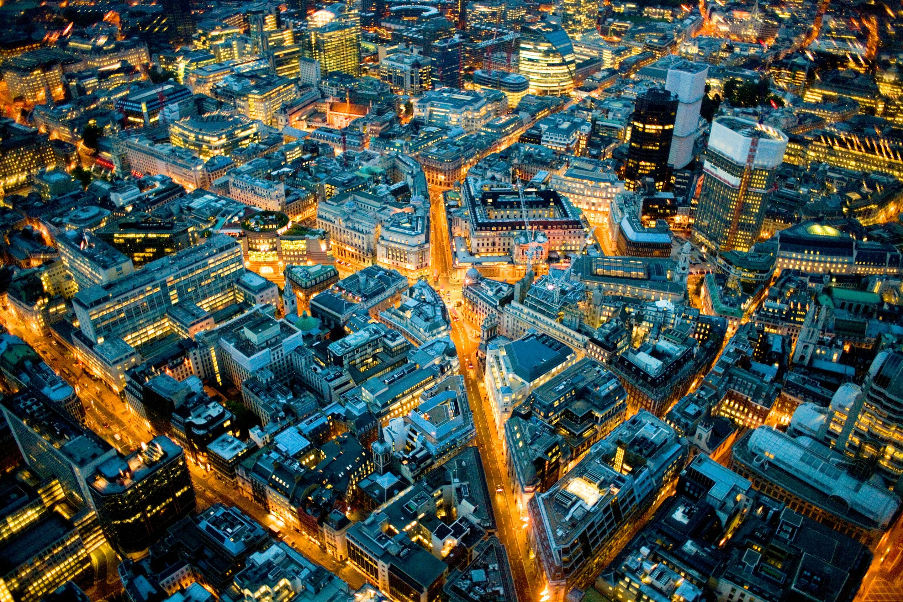 Bird's-eye view of central London at night