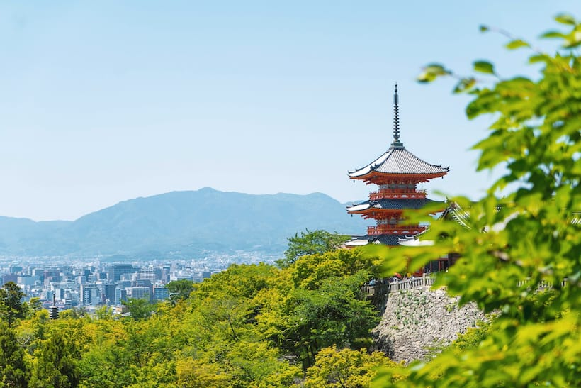 Ten ways to avoid making etiquette mistakes in Japan