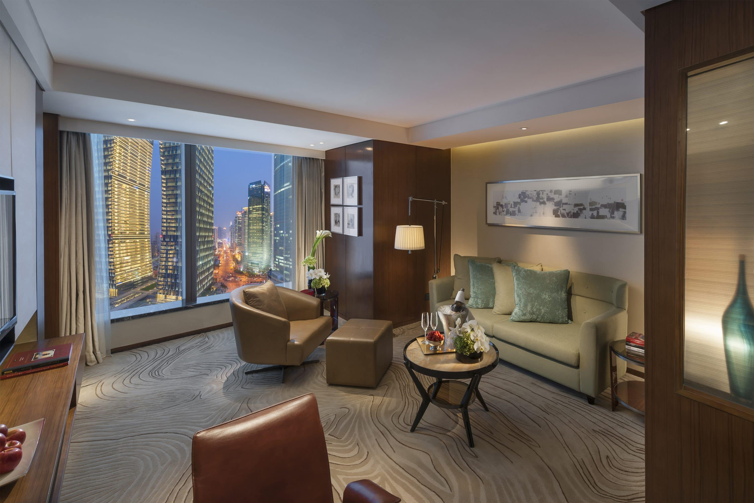 Executive Suite at Mandarin Oriental, Shanghai with view of harbour