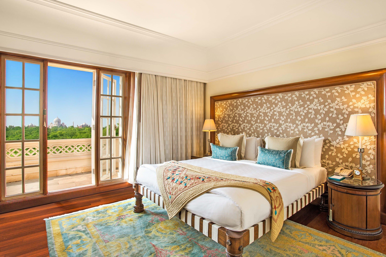 Suite at Oberoi Amarvilas hotel