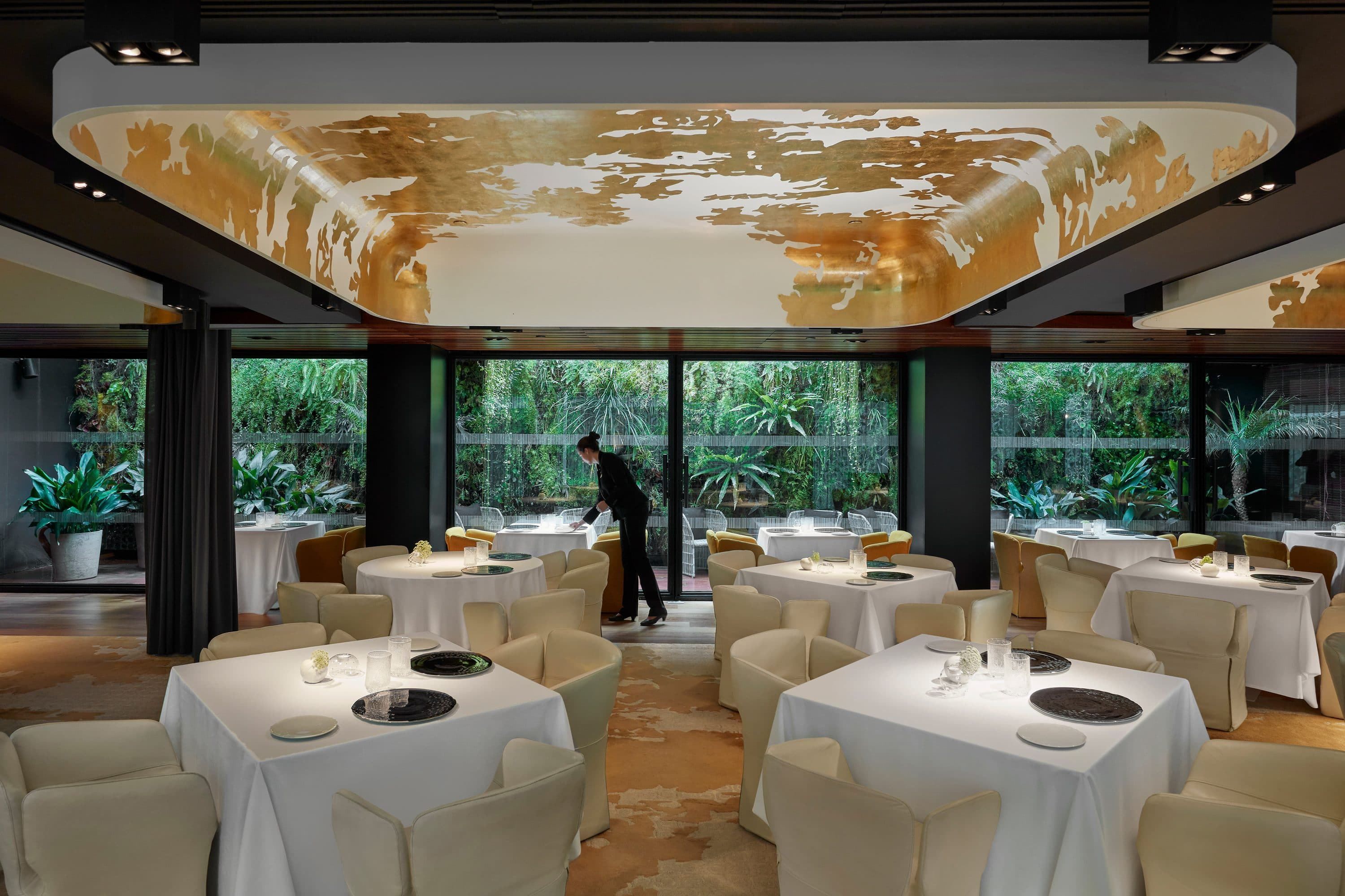 Dining room at Moments, Barcelona