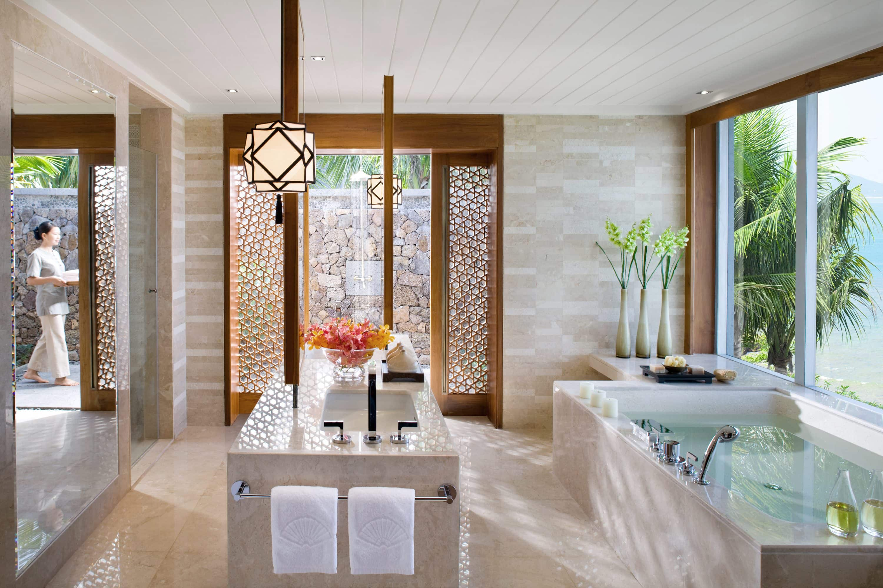 Pool villa bathroom at Mandarin Oriental, Sanya