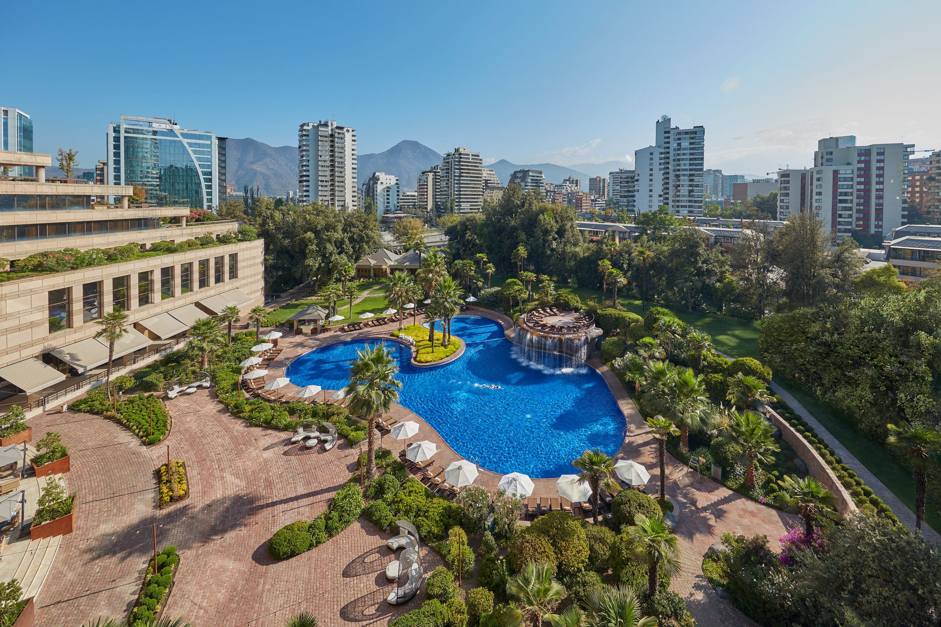 Pool and hotel in Santiago
