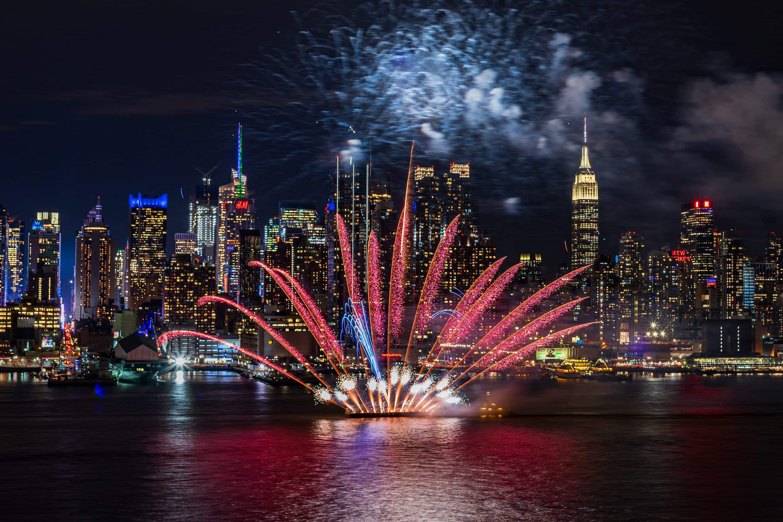 Firework display on the Hudson