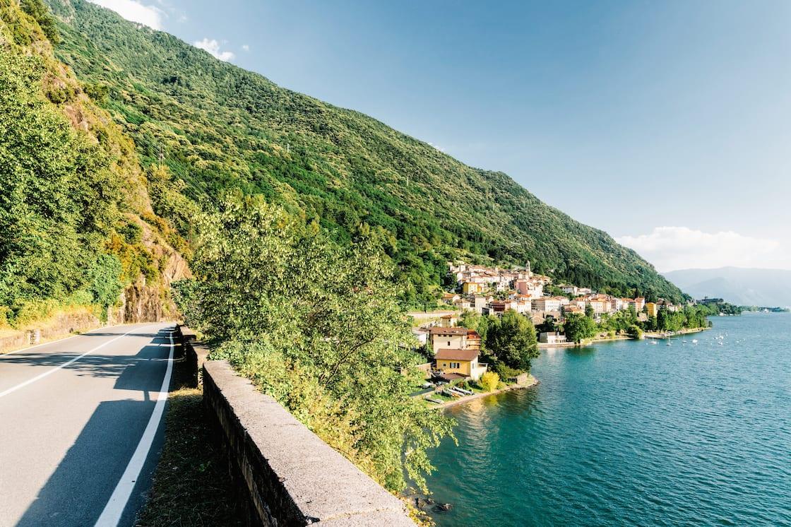 Como Gölü'nde üç efsanevi araba yolculuğu