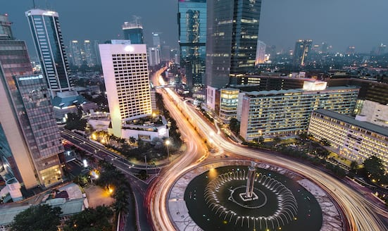 View of the Selamat Datang Monument and fountain, looking towards Mandarin Oriental, Jakarta