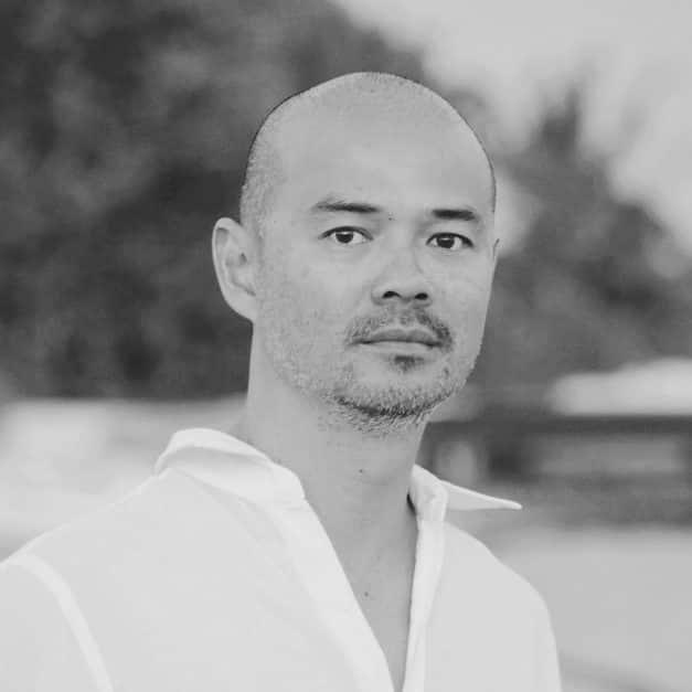 https://photos.mandarinoriental.com/is/image/MandarinOriental/dmo-momac-author