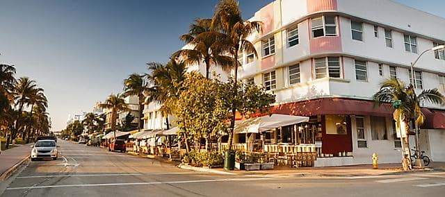 sunny day afternoon street view of Miami beach