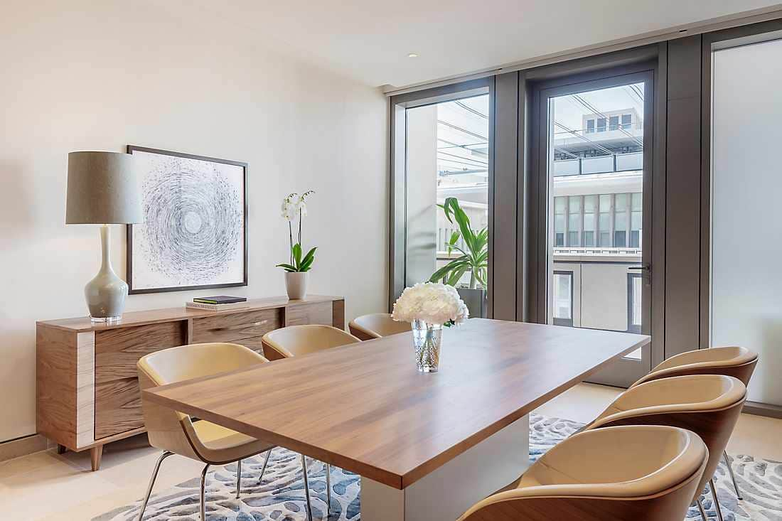 Four Bedroom Apartment - Penthouse dining room