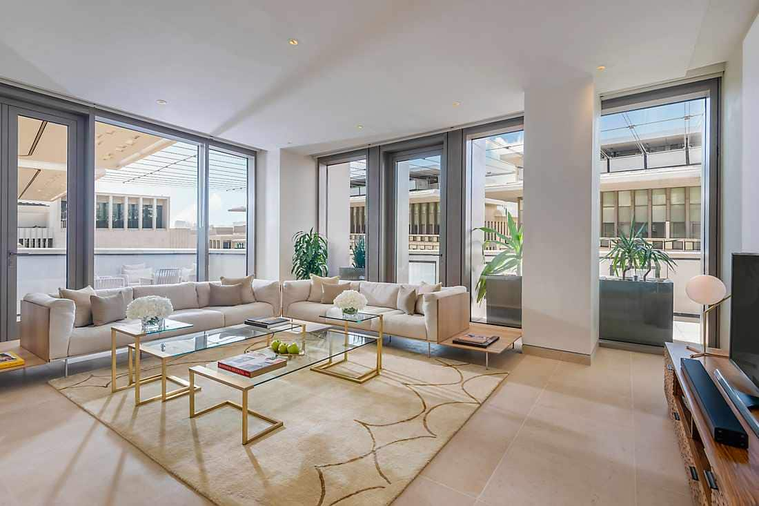 Four Bedroom Apartment - Penthouse living room