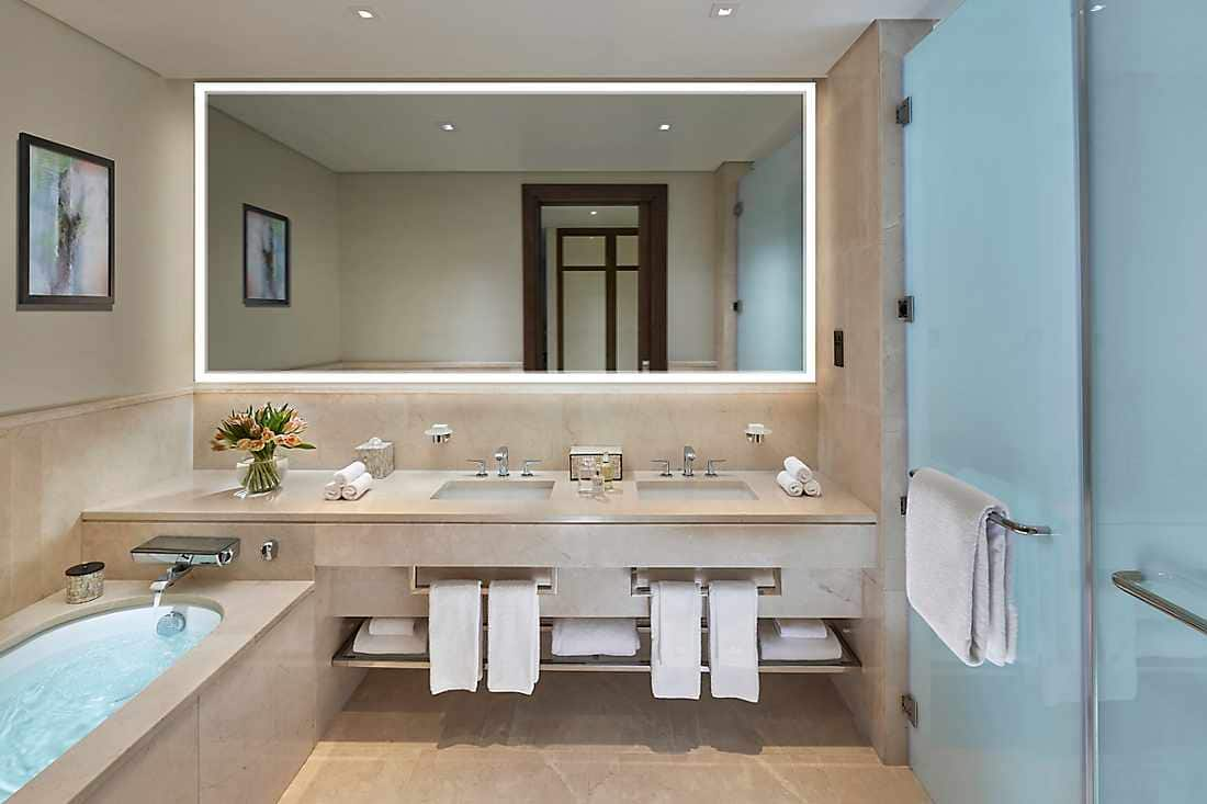 One Bedroom Apartment bathroom