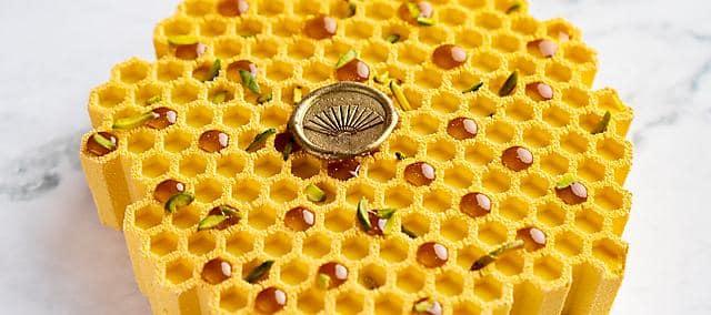 honeycomb cake at mandarin oriental, doha