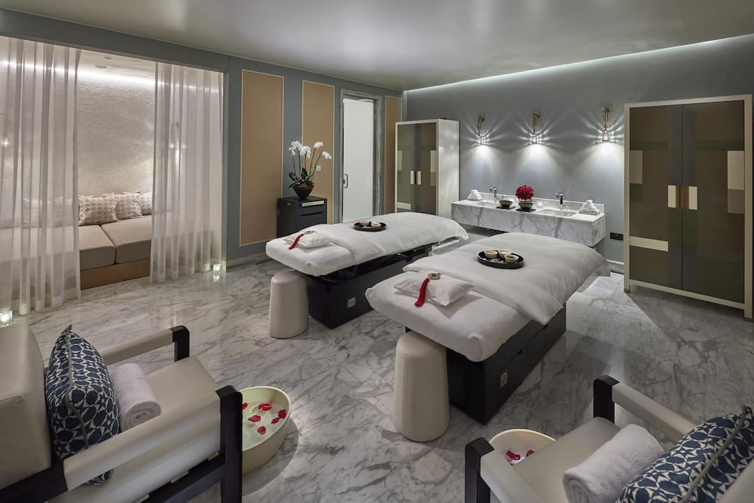 spa suite double beds