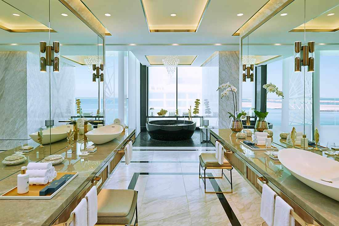 Royal Penthouse bathroom