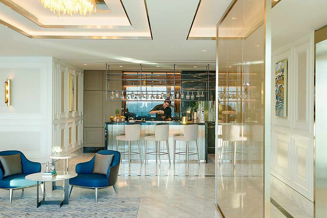 Royal Penthouse bar