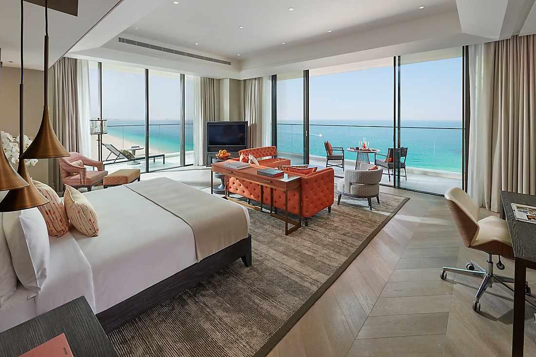 Mandarin Sea Front Suite bedroom
