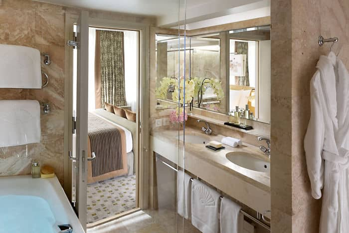 Premier River View Bathroom