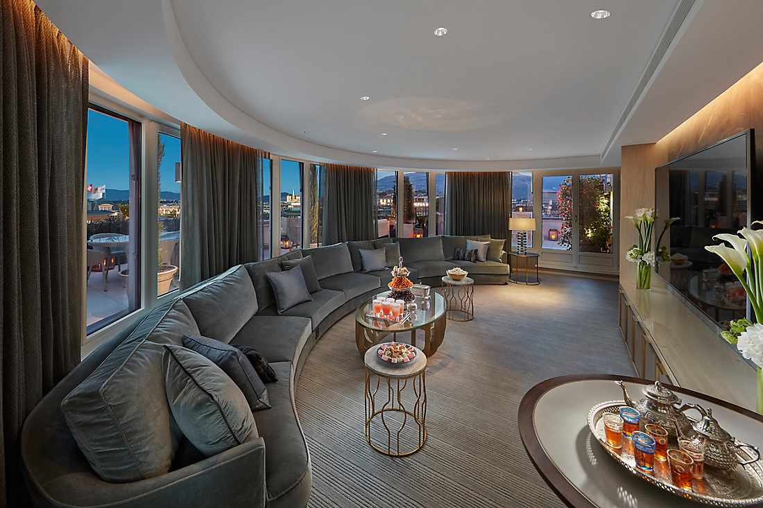 Royal Penthouse entertainment room