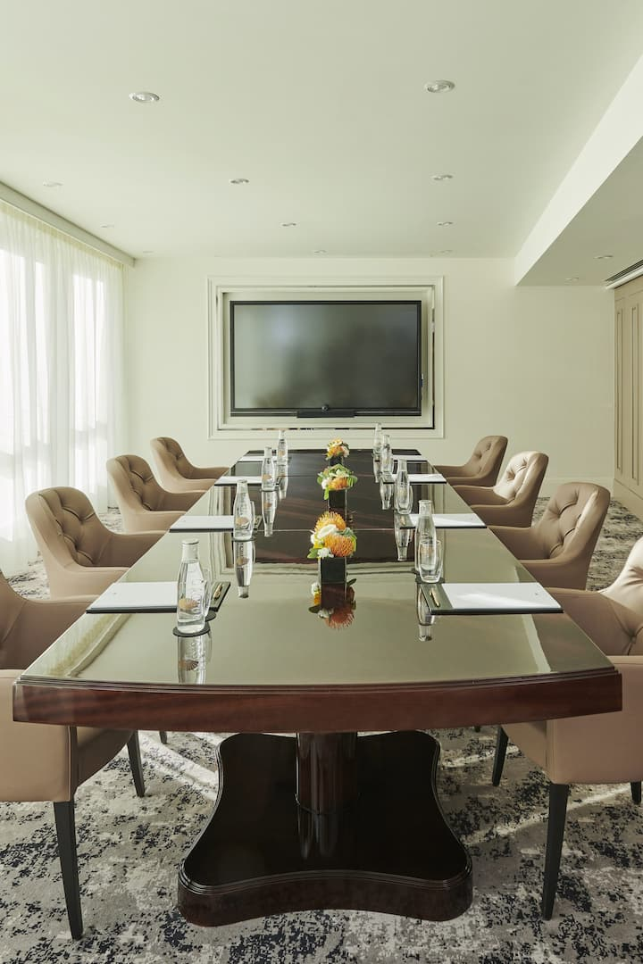 meeting room set up at mandarin oriental, geneva