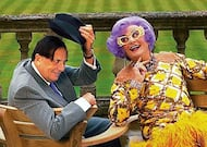celebrity-fan-barry-humphries-dame-edna