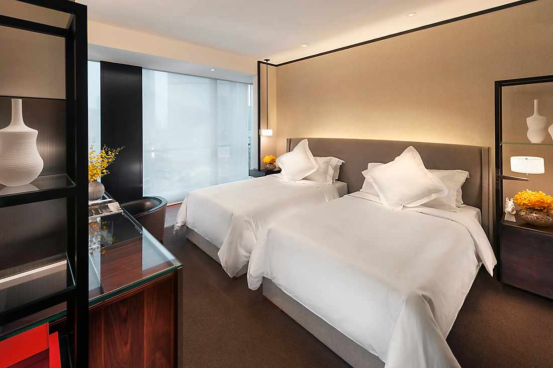Luxury Accommodations In Tianhe Mandarin Oriental Guangzhou