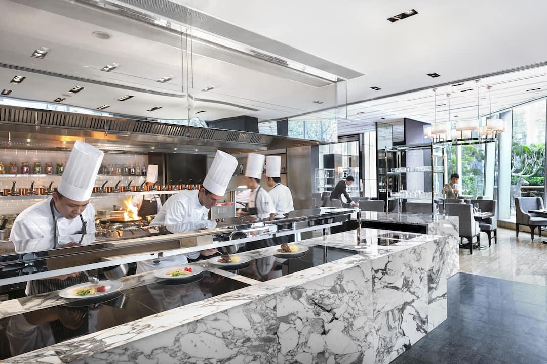 ebony cooking station at mandarin oriental, guangzhou