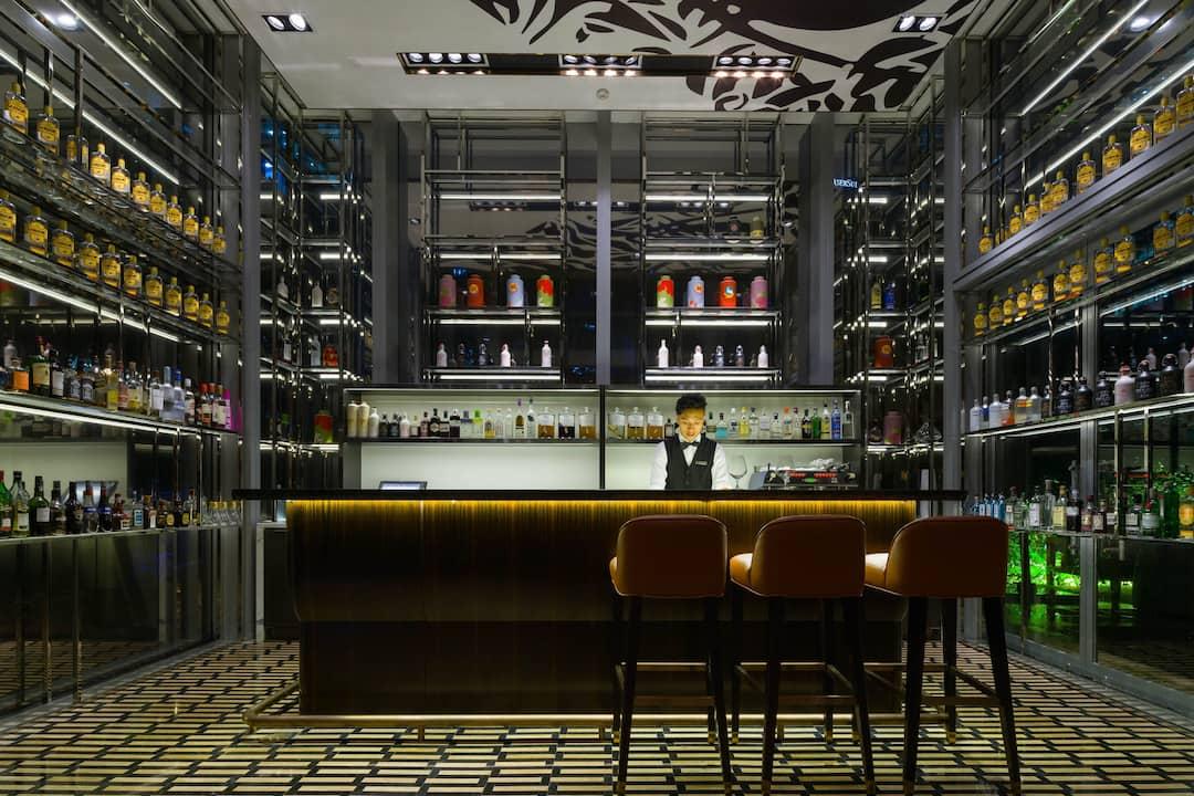 interior view of jin bar at mandarin oriental, guangzhou