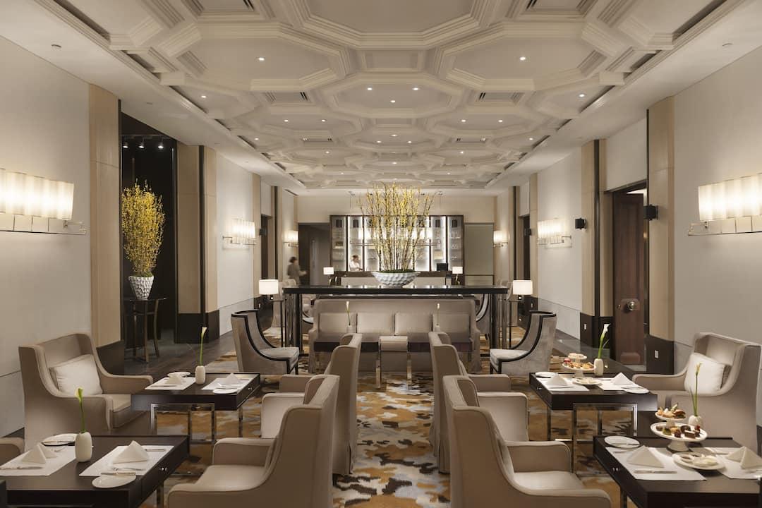 dining area in taikoo lounge at mandarin oriental, guangzhou