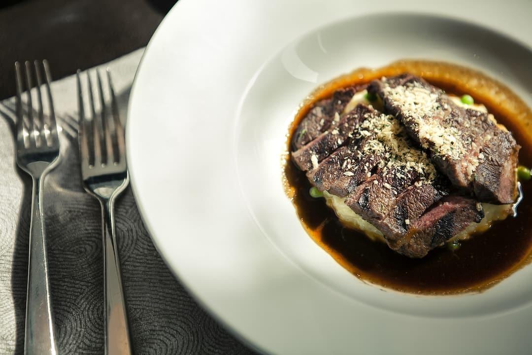 steak from semi buffet option in ebony at mandarin oriental, guangzhou