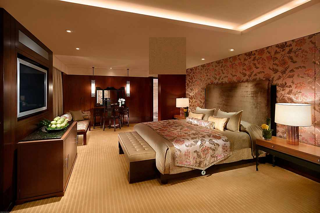 mandarin suite bedroom