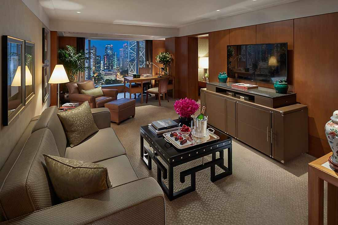city view suite living room