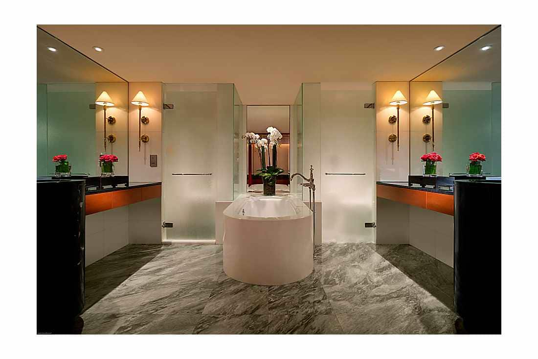 Tamar Suite bathroom