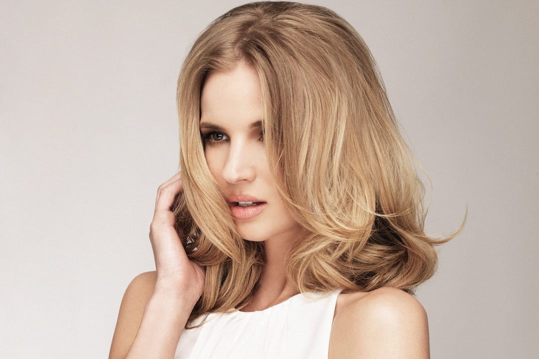 model with shoulder length hair