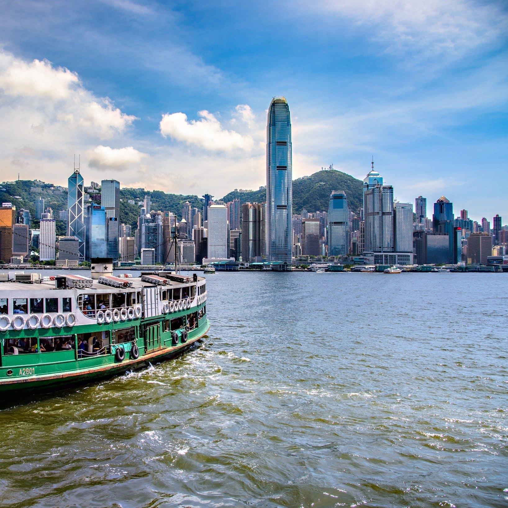 https://photos.mandarinoriental.com/is/image/MandarinOriental/hong-kong-cultural-walks-victoria-harbour