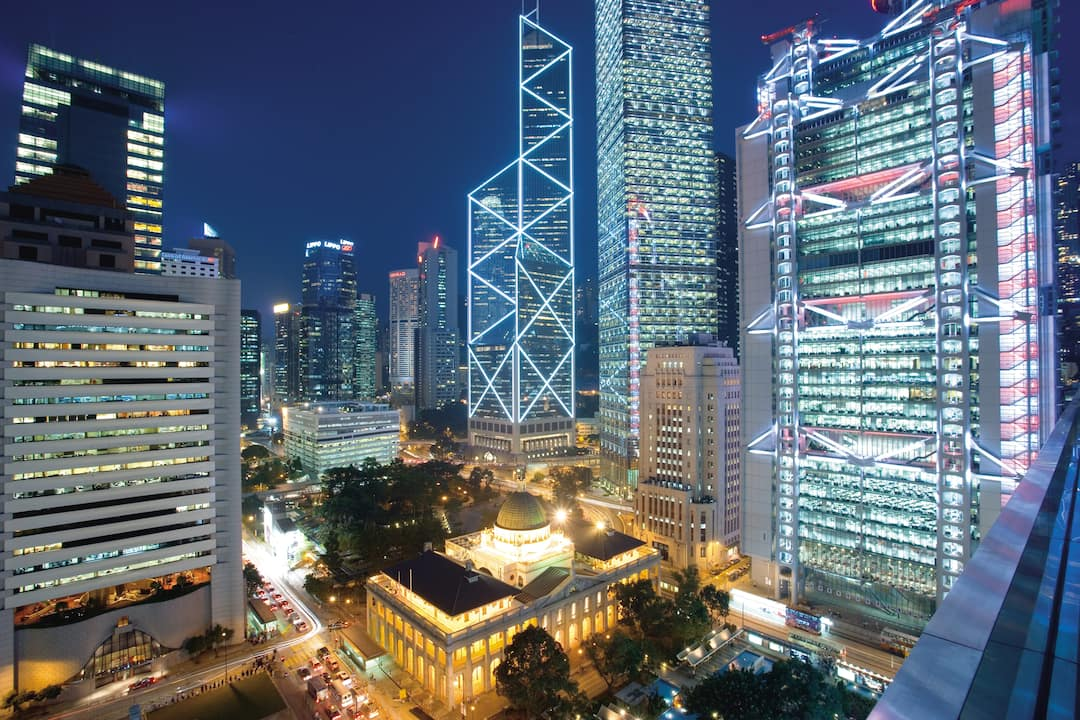 exteior view of mandarin oriental, hong kong at night