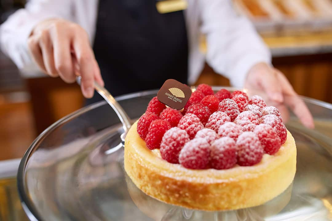 raspberry cheesecake, cake shop at mandarin oriental, hong kong
