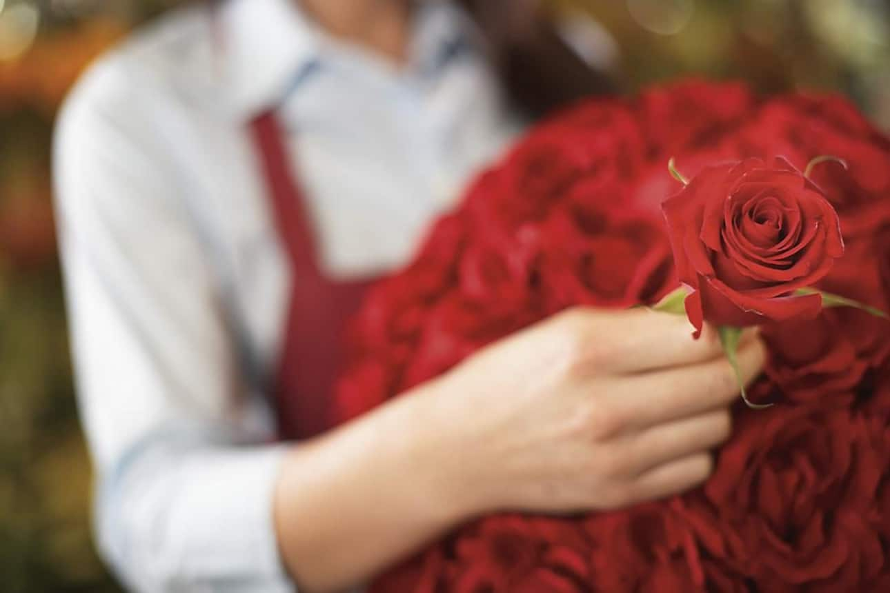Offering an array of distinctive floral bouquets and exclusive gifts.
