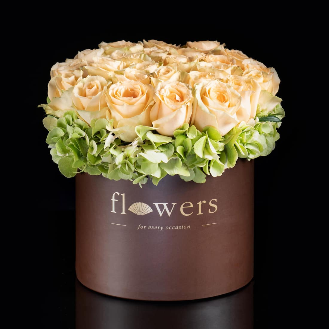 flower in a box with flower shop logo at mandarin oriental, hong kong