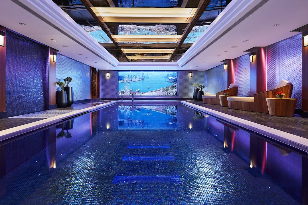 swimming pool at mandarin oriental, hong kong