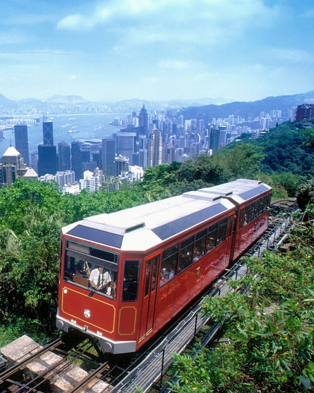 tram to the peak